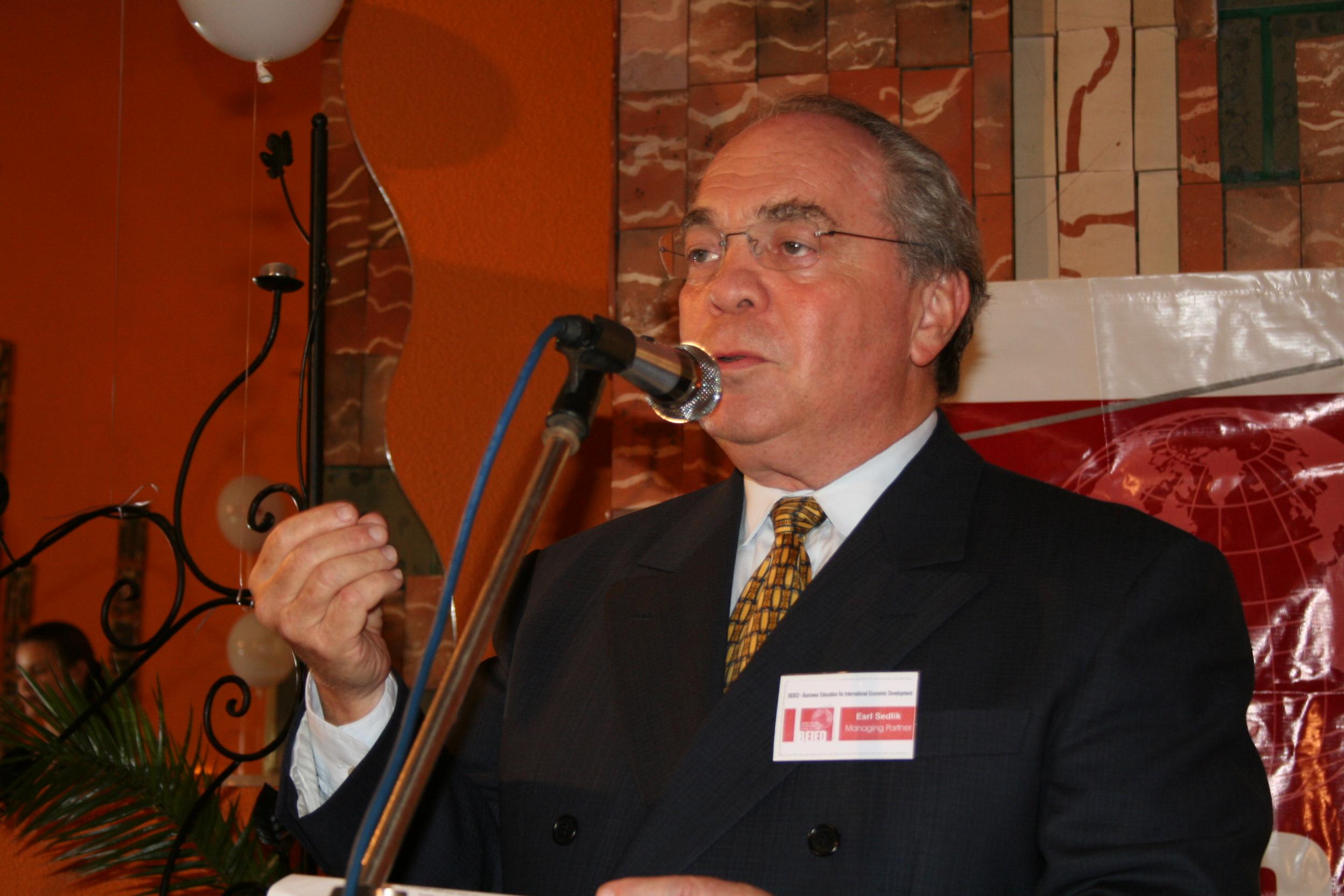 Earl Sedlik